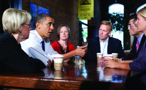 Joe_With_Senator_Murray_Governor_Locke_And_President_Obama_At_Table-650x400